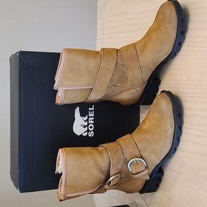 Sorel winter boots Phoenix moto cozy